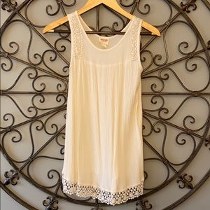 Mossimo lace detail tank